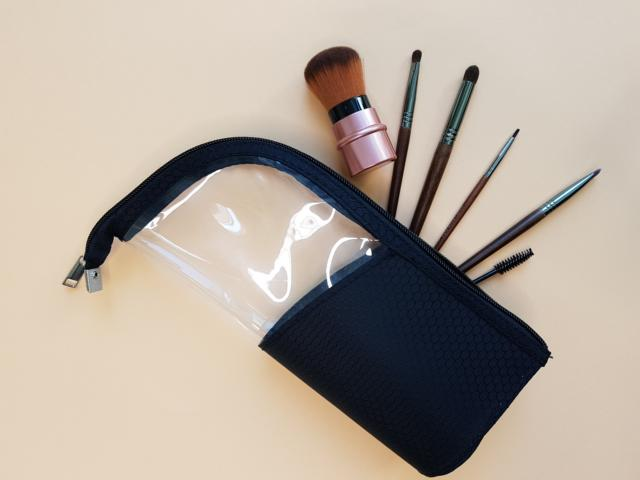 artikel ¦ pinseltasche ¦ make up Pinsel ¦ Kathrin Pützer